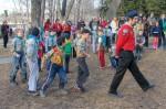 Akela marcheert ze naar de scout groep